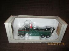SpecCast Shorty's Peterbilt 385 Heavy Duty Wrecker 1:64 Scale Tow Truck Rare