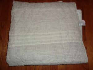 New Hotel Collection Honeycomb Stripe Oatmeal Full/Queen Quilt Coverlet