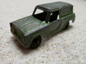 "Vintage Tootsietoy Green Station wagon Diecast - 2"" Long"