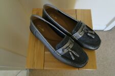GREAT LADIES CLARKS ARTISAN LEATHER TASSEL MOCCASINS LOAFERS SHOES UK 5 D PEWTER