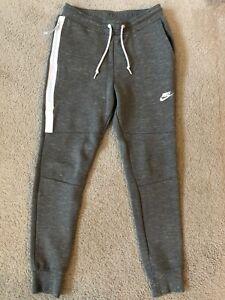 Nike Tech Fleece Pants Small