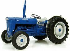 Universal Hobbies 1/16 Fordson Super Dexta Diesel 2000 US Version Tractor Uh2902
