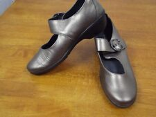 NWOB ROHDE Womens 7.5 B Pewter Metallic Leather Mary Janes Shoes Wedge Flats NEW