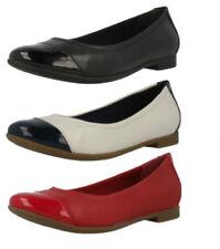 Zapatos planos de mujer de color principal rojo de charol