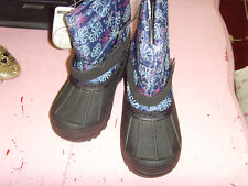 NWT Girls size 11 snowboots daisy flower print cold weather rated to -5 F cute