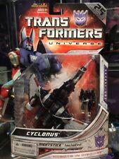 ** 2008 - Transformers Universe - Cyclonus **