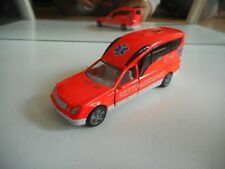 Siku Mercedes Binz A 2003 Ambulance in Orange