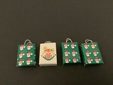 LOT OF 4 DOLL HOUSE MINIATURES CHRISTMAS GIFT BAGS 1 /12th Scale