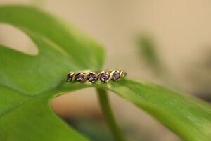 9ct yellow gold five stone round purple amethyst twist set band 1.3g size N