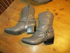 B.Makowsky Hudson gray leather ankle boots, removable harness 8M barely worn EUC