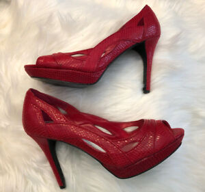 """White House Black Market Callie Red Embossed Leather Peep Toe 4""""Heel Shoes 9M *"""