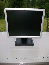 HP LE1711 LCD Flat Screen Computor Computer Monitor  17'' Silver