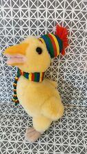 Doudou peluche canard jaune écharpe et bonnet rayés Jémini 20 cm