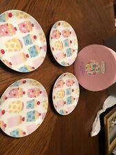 "Set Of 4 Boston Warehouse ""Cupcake Lovers"" Porcelain Plate Set """