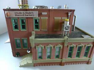 HO Woodland Scenics Clyde & Dale's Barrel Factory