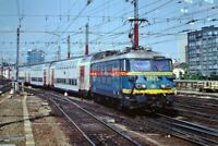 PHOTO  BELGIAN RAILWAYS -  VIEW 2  SNCB/NMBS BN CLASS 26 NO 2629  LEAVING BRUSSE