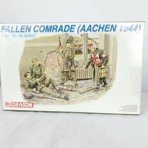 DRAGON 1/35 Fallen Comrade AACHEN 1944 WWII Scale Model Kit 67 Parts 6119 New