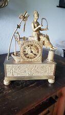 Pendule Empire, Bronze, Feuervergoldet, ca. 1810/20 in hervorragendem Zustand
