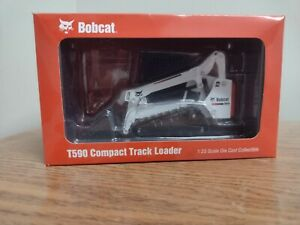 T590 Compact Track Loader 1:25 Model