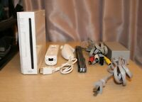 NINTENDO Wii White Console System RVL-001 COMPLETE Nunchuck Remote TESTED WORKS