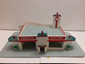 Vintage 1960s Original Wooden Toy Car Garage Petrol Station. Service garage
