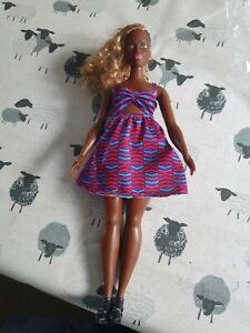 Barbie Doll - Fashionistas Curvy African American 'Zig Zag' Doll(br8)