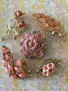 Costume Jewellery Vintage Gold Tone Pink Lucite Brooches