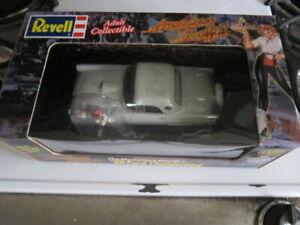Revell 1:25  Ford Thunderbird American Graffiti Mysterious Blonde w/figure 👀