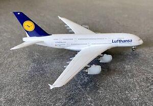 Maquette avion meral 1:400 Airbus A380 Lufthansa