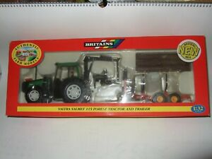 BRITAINS FARM MODELS 09461 VALTRA VALMET 115 Forest Tractor & Log trailer SIKU