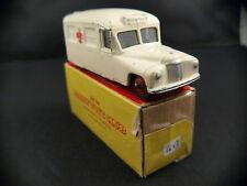 Dinky Toys Gb n° 253 Daimler ambulance en boîte