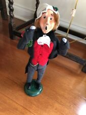 Byers Caroler 1987 Signed Man With Wreath
