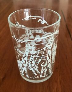 Vintage peanut butter 'Giraffe' drinking glass. Good used condition.