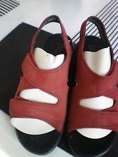 Clarks Springers BURGUNDY COLOR  Sz 6 made in England  red nubuck  Sandals NWOB