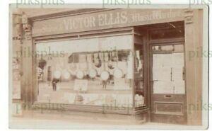 SIGNED POSTCARD VICTOR ELLIS BANJO STUDIOS / SHOP BATTERSEA LONDON REAL PHOTO