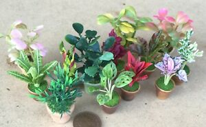 1:12 Scale Mixed Flowers In A Green Wooden Planter Tumdee Dolls House Garden 190