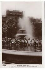 1923  LONDON  Trafalgar Square Children Paddling in Fountain  Photo   Postcard
