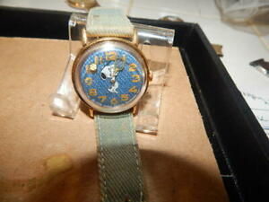Vintage Snoopy 1958 United Feature Syndicate Watch With Rotating Tennis Ball