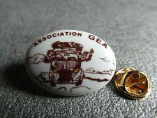 RARE PINS PIN'S - ASSOCIATION GEA - 2 CHEVAUX CITROEN - VOYAGE - PORCELAINE