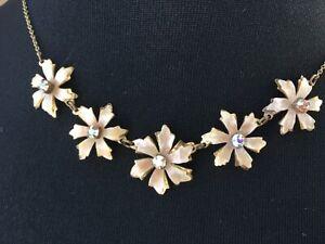 Stunning antique goldtone vintage flower necklace - N023