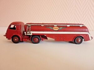 Dinky Toys  Meccano Tracteur Panhard Camion Citerne Titan 32C Esso