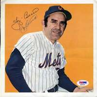 Yogi Berra Psa/dna Signed Team Issued 8x8 Photo Authentic Autograph New York
