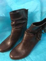 Candies Size 8 Slip On Boots Brown