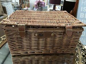 Regency Hampers Wicker Woven Picnic Medium Basket Leather Straps