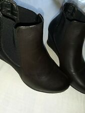 Cushion Walk Black Wedge Ankle Leather Boot  Size 7