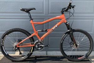 GT Gary Turner Sensor 3.0 Mountain Bike WTB Trail Fox Rear Shock 2010 Nice XL