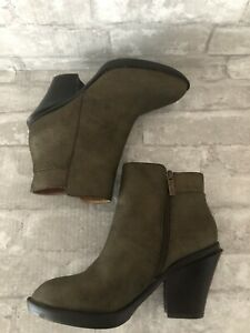 Kenneth Cole High Idol Size 8.5 M Leather Green Metallic Ankle Boots Side Zip
