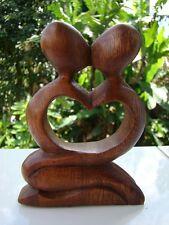 """Statuette abstraite couple """"fusion"""" mariage coeur en bois de suar Indonésie"""
