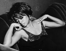 Diana Ross UNSIGNED photo - H4098 - STUNNING!!!!!