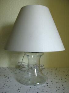Holmegaard Tischlampe Glaslampe mit weißem Schirm ein nobles Teil danish Design